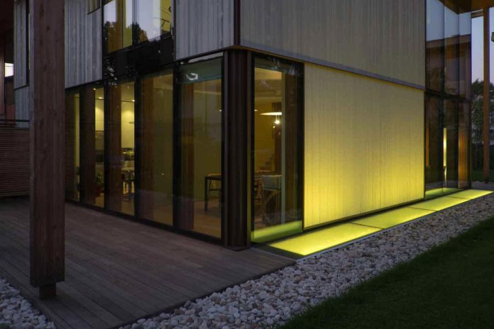twin-house-consists-two-cubic-volumes-mounted-concrete-basement-designed-studiopietropoli-22