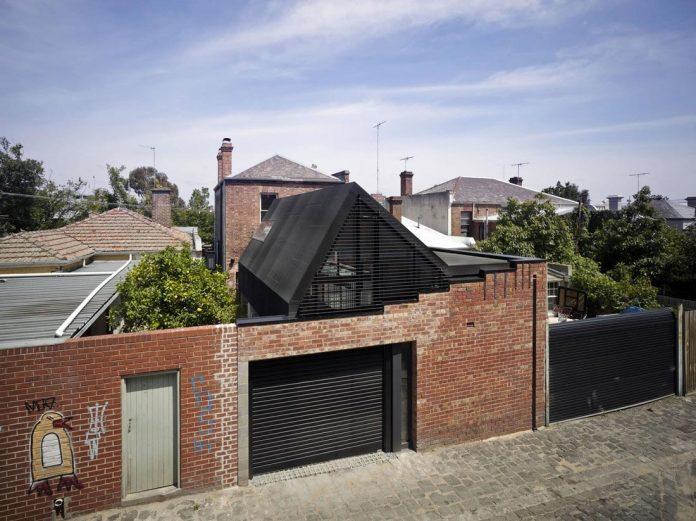 vader-house-victorian-terrace-features-modern-framed-steel-skeleton-extension-02