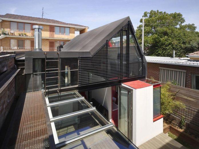 vader-house-victorian-terrace-features-modern-framed-steel-skeleton-extension-05