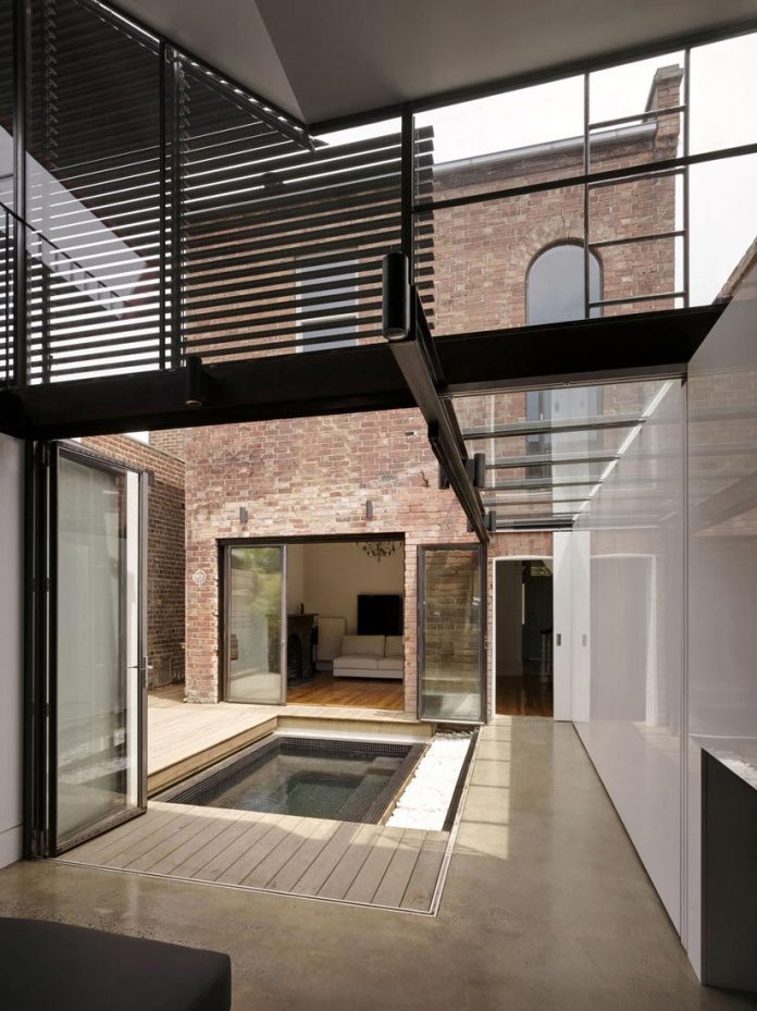 vader-house-victorian-terrace-features-modern-framed-steel-skeleton-extension-10