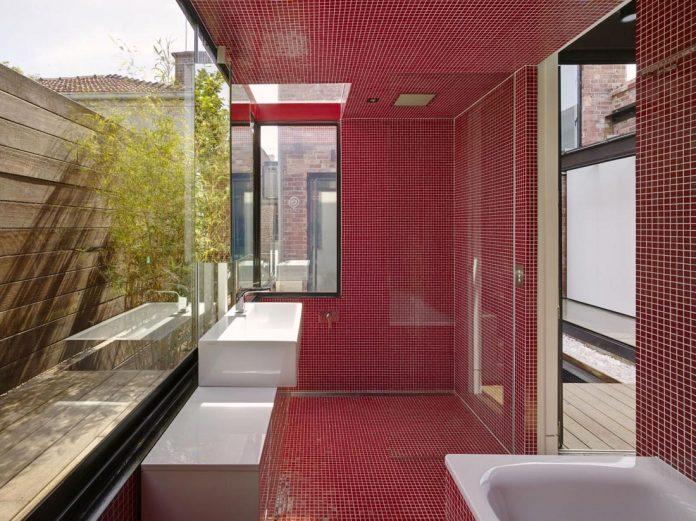 vader-house-victorian-terrace-features-modern-framed-steel-skeleton-extension-21