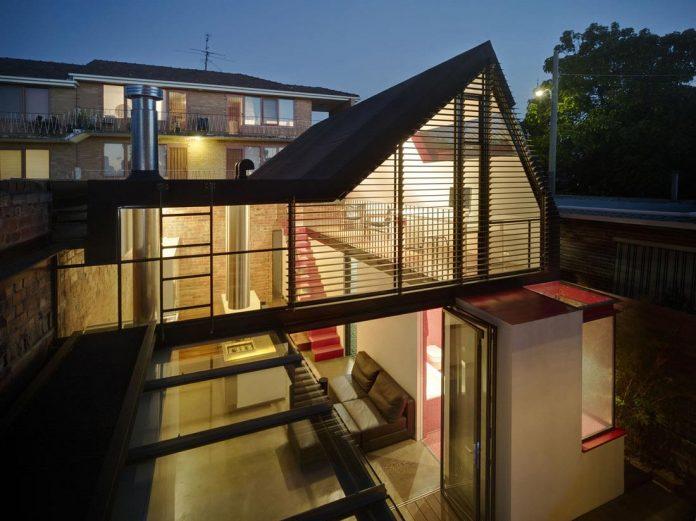 vader-house-victorian-terrace-features-modern-framed-steel-skeleton-extension-24