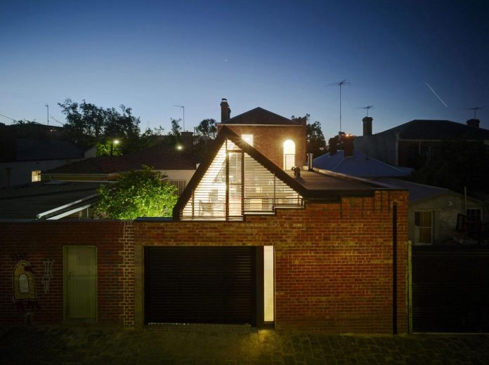 vader-house-victorian-terrace-features-modern-framed-steel-skeleton-extension-25
