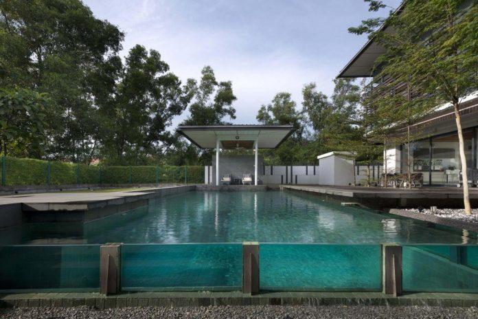 zeta-house-situated-outskirts-kuala-lumpur-40000-sf-plot-land-adjacent-communal-park-03