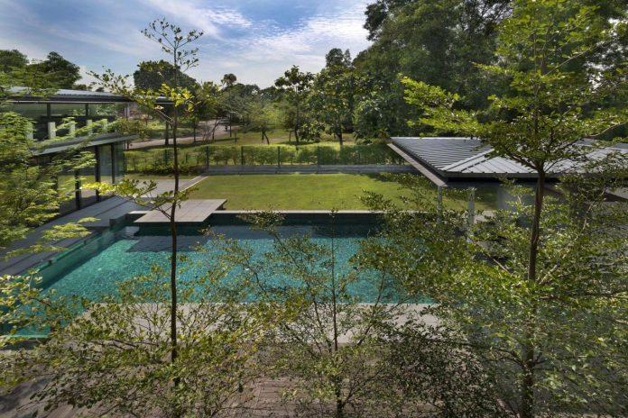 zeta-house-situated-outskirts-kuala-lumpur-40000-sf-plot-land-adjacent-communal-park-12
