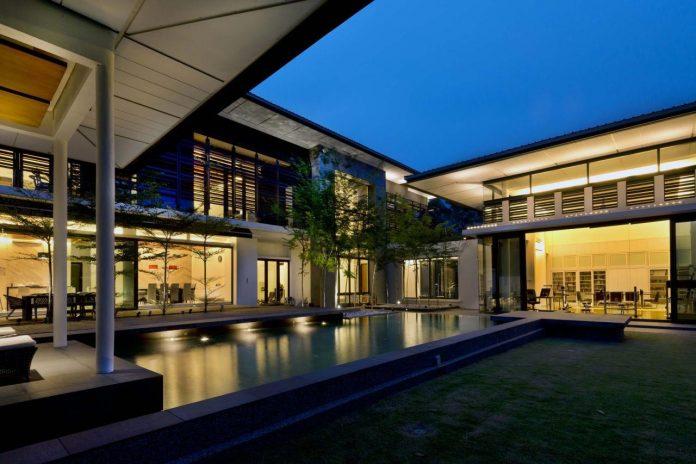zeta-house-situated-outskirts-kuala-lumpur-40000-sf-plot-land-adjacent-communal-park-19