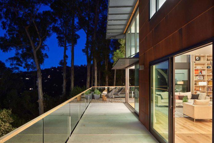 441-three-level-4000-square-foot-minimal-elongated-house-marin-county-24