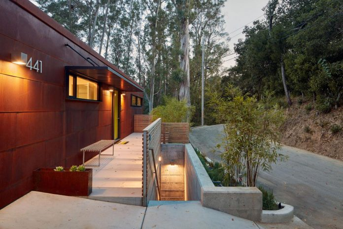 441-three-level-4000-square-foot-minimal-elongated-house-marin-county-25
