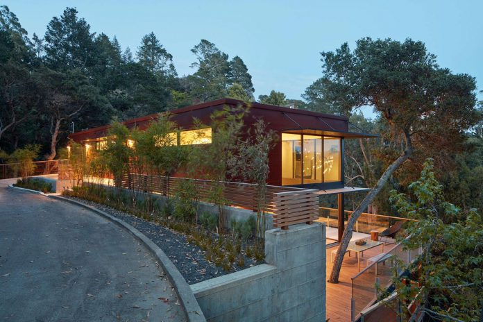 441-three-level-4000-square-foot-minimal-elongated-house-marin-county-27