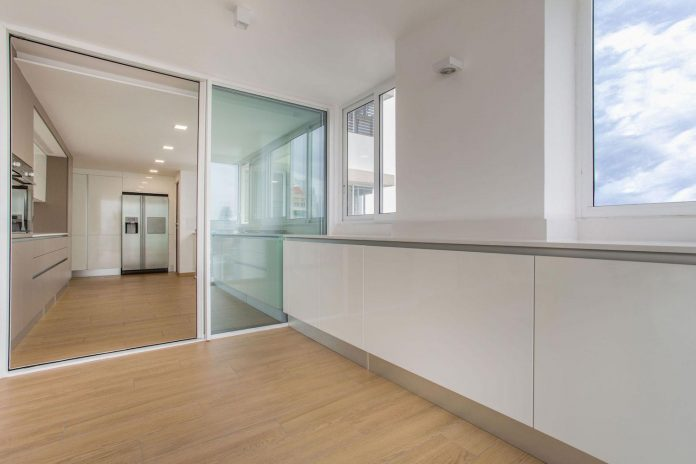 adapt-30-years-old-apartment-panama-city-demands-contemporary-life-05
