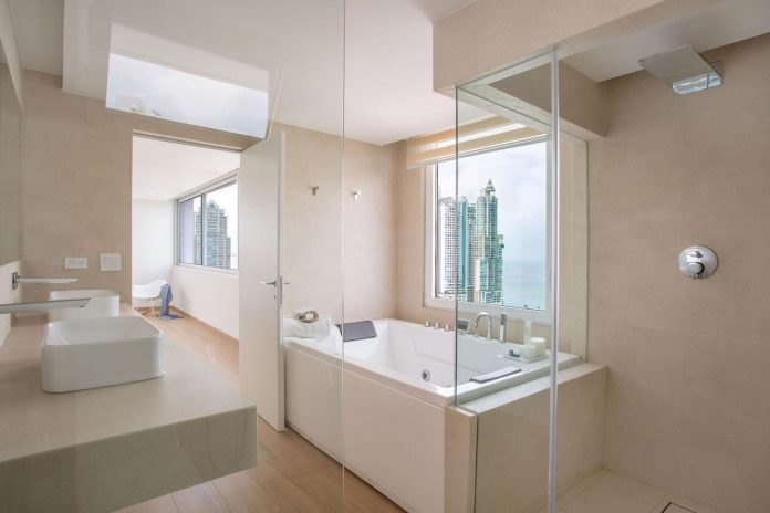 adapt-30-years-old-apartment-panama-city-demands-contemporary-life-12