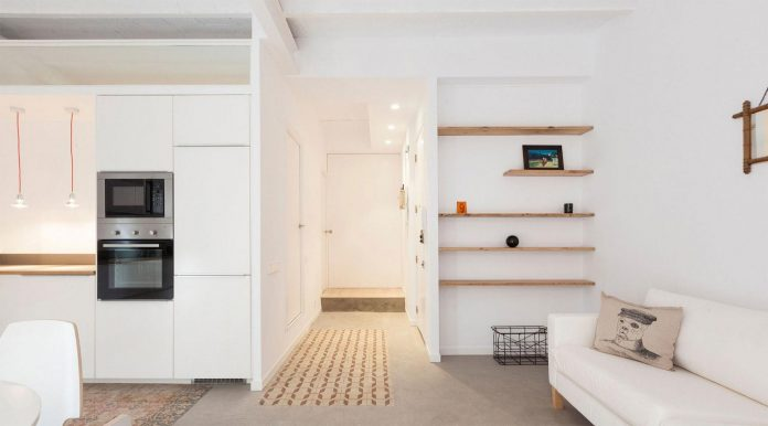 apartment-refurbishment-la-barceloneta-luminous-warm-home-04