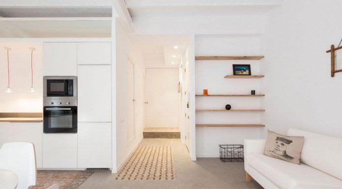 apartment-refurbishment-la-barceloneta-luminous-warm-home-04