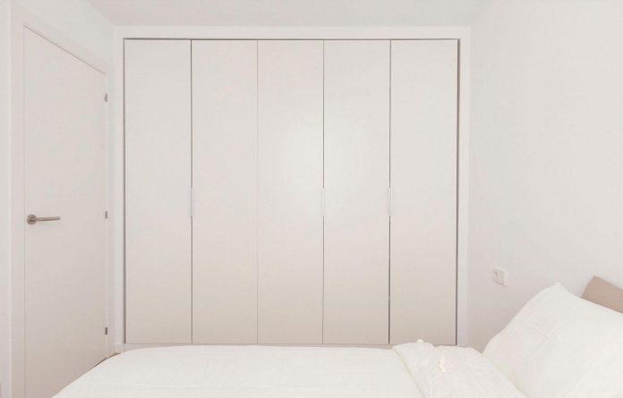 apartment-refurbishment-la-barceloneta-luminous-warm-home-11