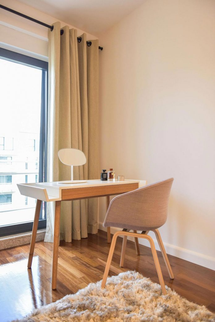 apartment-z-provides-space-comfortable-cosy-warm-without-compromising-design-19
