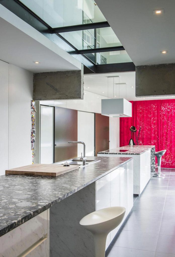 artipool-transformed-former-bakery-bright-airy-home-thanks-double-height-living-space-skylight-kitchen-huge-windows-thin-profiles-09