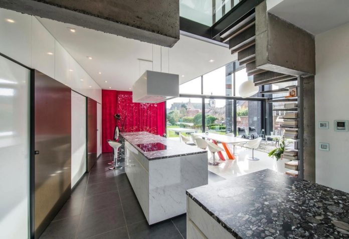artipool-transformed-former-bakery-bright-airy-home-thanks-double-height-living-space-skylight-kitchen-huge-windows-thin-profiles-11