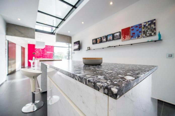 artipool-transformed-former-bakery-bright-airy-home-thanks-double-height-living-space-skylight-kitchen-huge-windows-thin-profiles-13