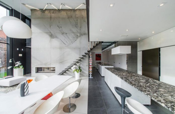 artipool-transformed-former-bakery-bright-airy-home-thanks-double-height-living-space-skylight-kitchen-huge-windows-thin-profiles-16
