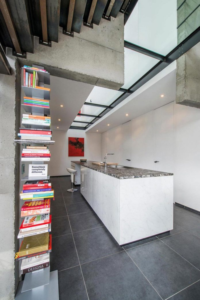 artipool-transformed-former-bakery-bright-airy-home-thanks-double-height-living-space-skylight-kitchen-huge-windows-thin-profiles-18
