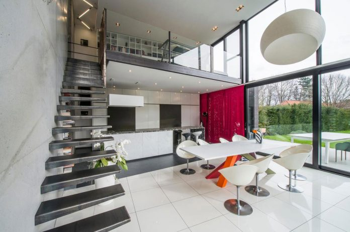 artipool-transformed-former-bakery-bright-airy-home-thanks-double-height-living-space-skylight-kitchen-huge-windows-thin-profiles-22
