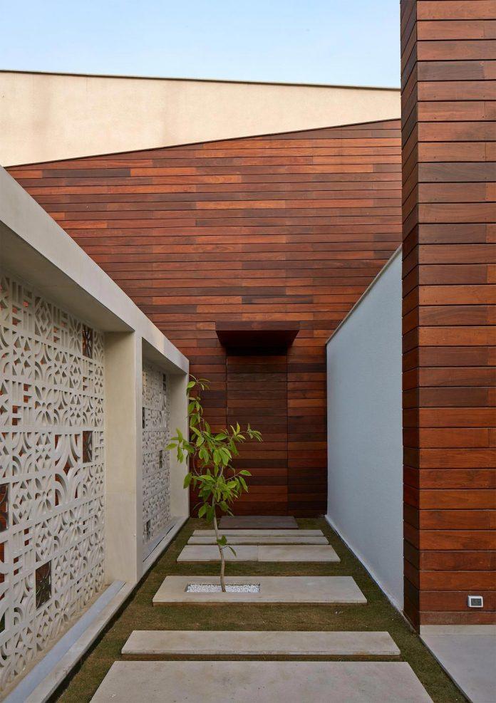 artisan-house-project-morphogenesis-looks-revive-re-establish-patronage-traditional-indian-artisanal-skills-03
