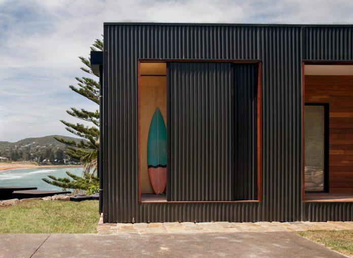 avalon-house-archiblox-contemporary-eco-friendly-prefab-home-built-just-6-weeks-02