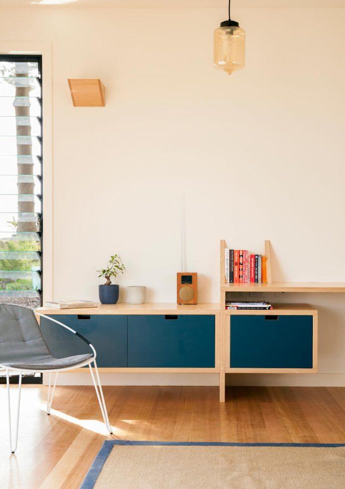 avalon-house-archiblox-contemporary-eco-friendly-prefab-home-built-just-6-weeks-05