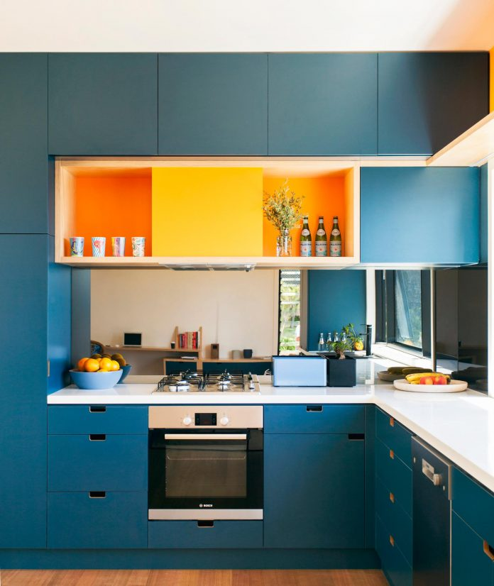 avalon-house-archiblox-contemporary-eco-friendly-prefab-home-built-just-6-weeks-07