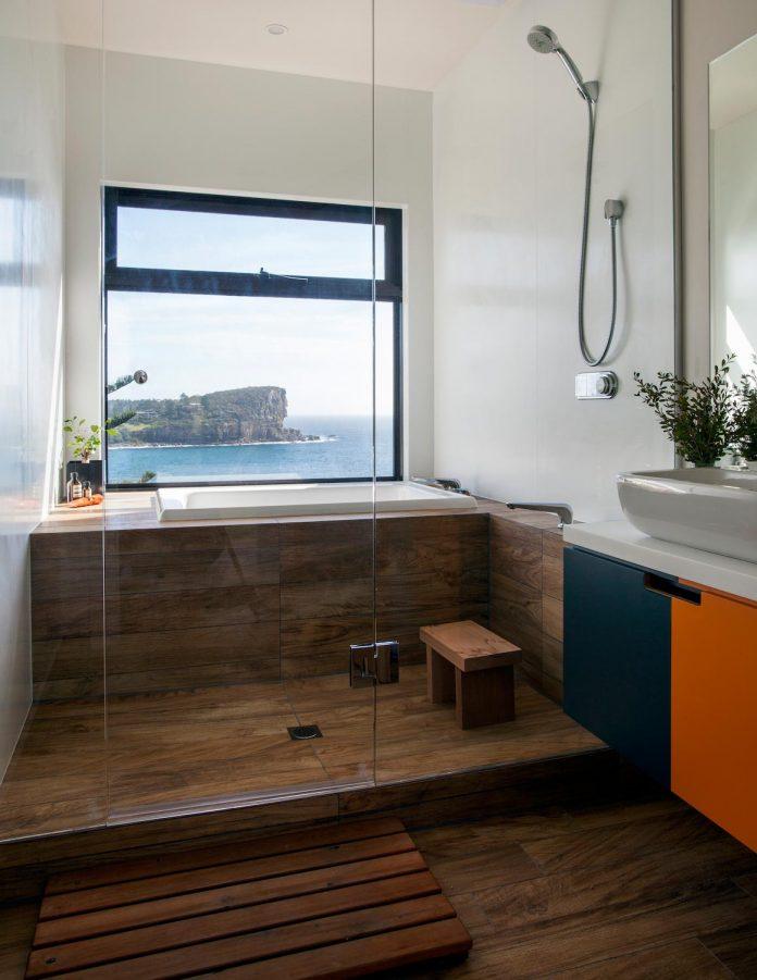 avalon-house-archiblox-contemporary-eco-friendly-prefab-home-built-just-6-weeks-08