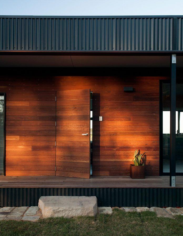 avalon-house-archiblox-contemporary-eco-friendly-prefab-home-built-just-6-weeks-14