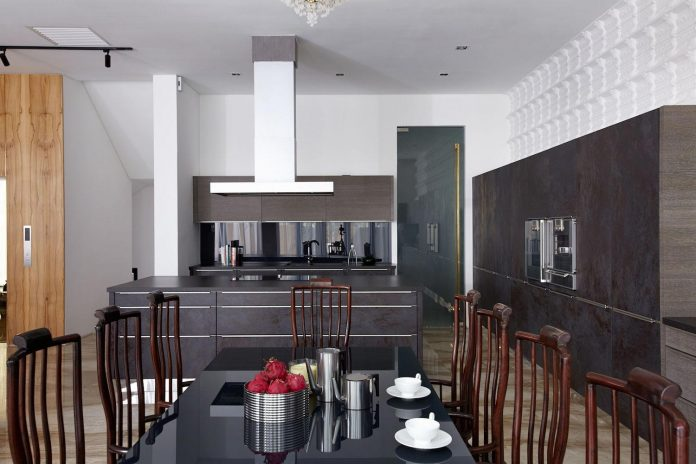 bungalow-completely-redesigned-contemporary-new-squarish-structure-16