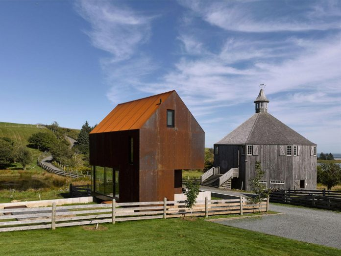 campus-mixes-old-new-reclaimed-historic-buildings-sit-next-modern-structures-04