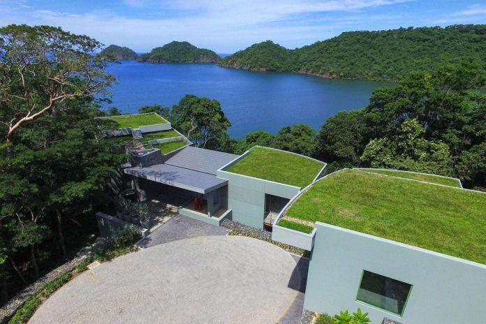 casa-magayon-sarco-architects-tropical-modern-luxury-home-peninsula-papagayo-luxury-resort-costa-rica-04