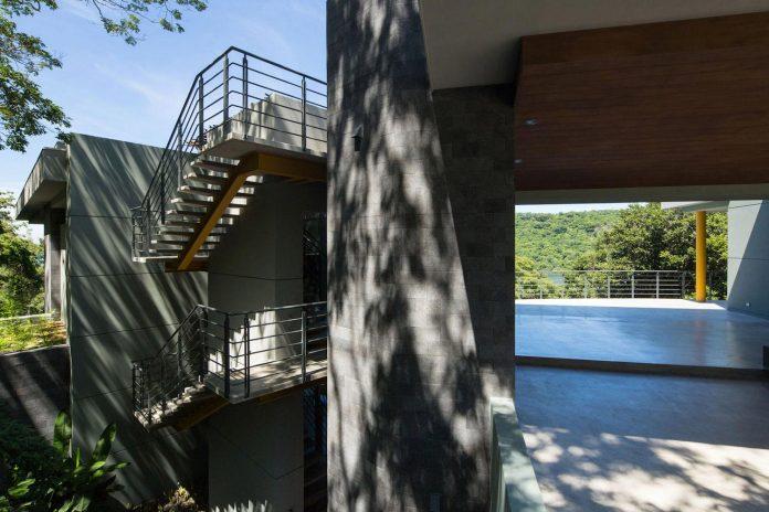 casa-magayon-sarco-architects-tropical-modern-luxury-home-peninsula-papagayo-luxury-resort-costa-rica-11