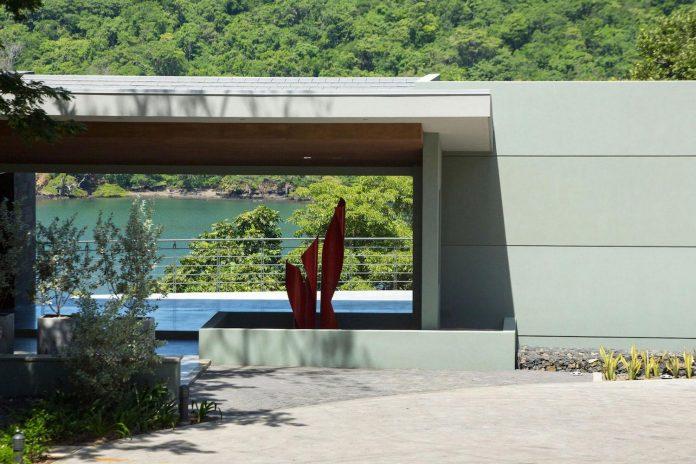 casa-magayon-sarco-architects-tropical-modern-luxury-home-peninsula-papagayo-luxury-resort-costa-rica-13