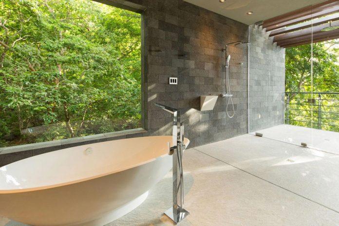 casa-magayon-sarco-architects-tropical-modern-luxury-home-peninsula-papagayo-luxury-resort-costa-rica-26