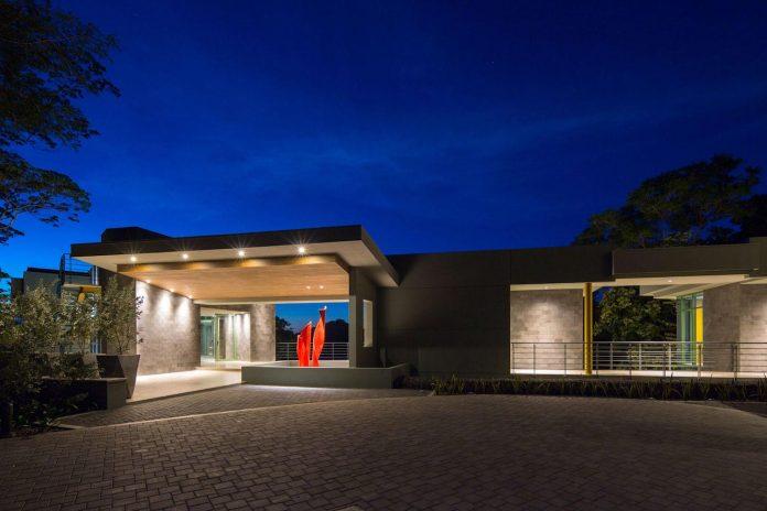 casa-magayon-sarco-architects-tropical-modern-luxury-home-peninsula-papagayo-luxury-resort-costa-rica-34
