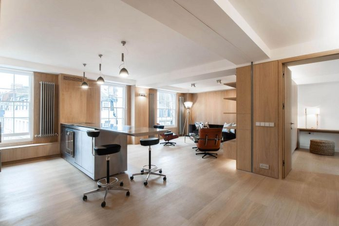 complete-redesign-4th-floor-level-apartment-located-londons-exclusive-mayfair-conservation-area-westminster-01