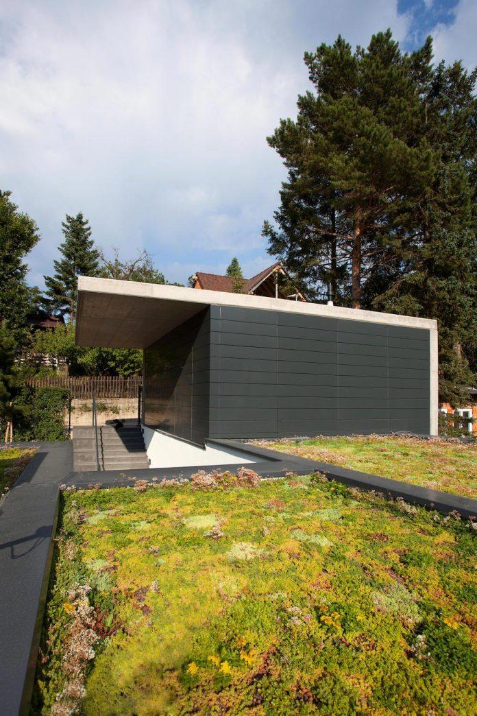 d2-single-family-house-bratislava-designed-mikulaj-mikulajova-02