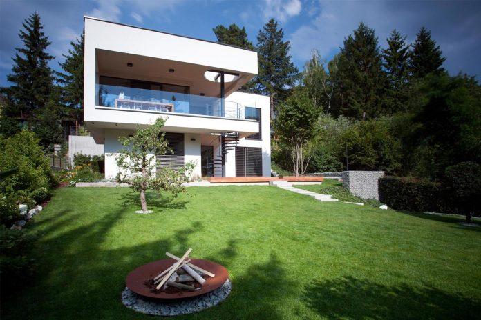 d2-single-family-house-bratislava-designed-mikulaj-mikulajova-05
