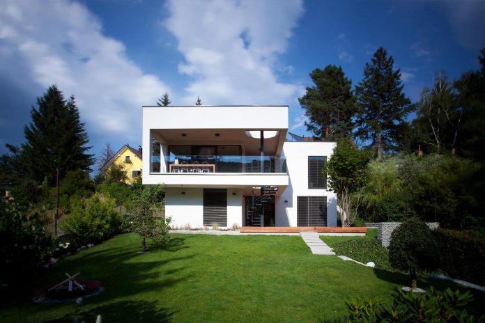 d2-single-family-house-bratislava-designed-mikulaj-mikulajova-06