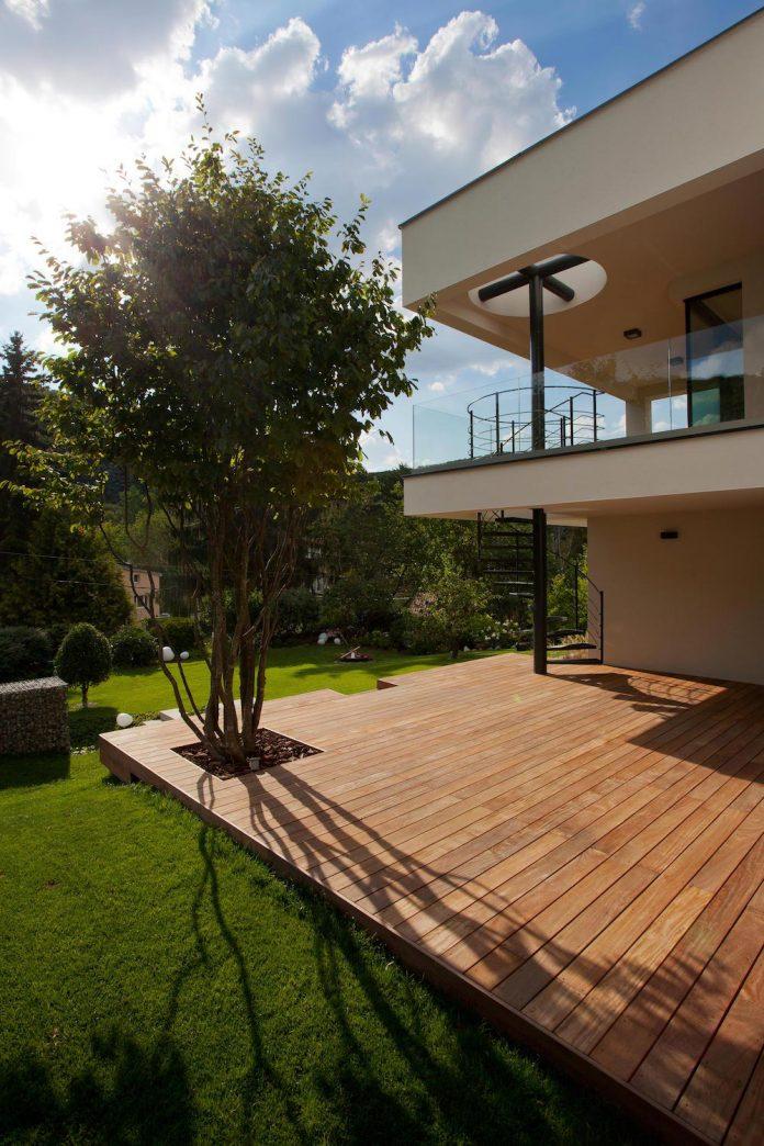d2-single-family-house-bratislava-designed-mikulaj-mikulajova-07
