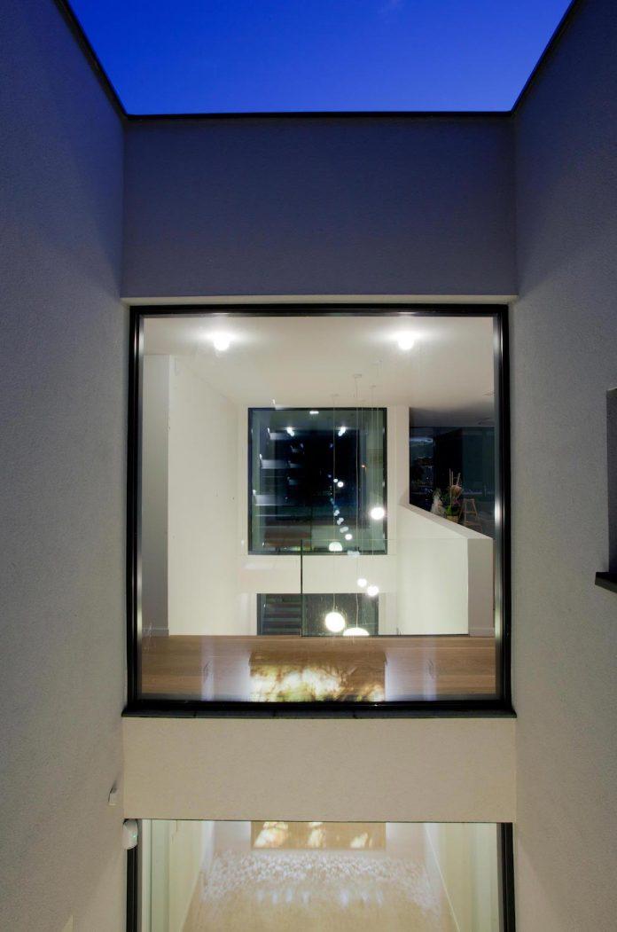 d2-single-family-house-bratislava-designed-mikulaj-mikulajova-14