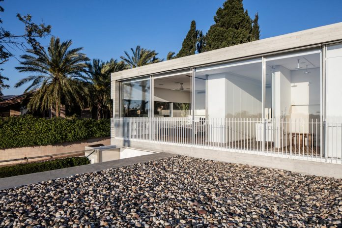 dual-house-modern-duplex-house-located-small-neighborhood-north-tel-aviv-05