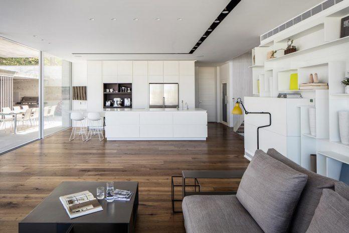 dual-house-modern-duplex-house-located-small-neighborhood-north-tel-aviv-06