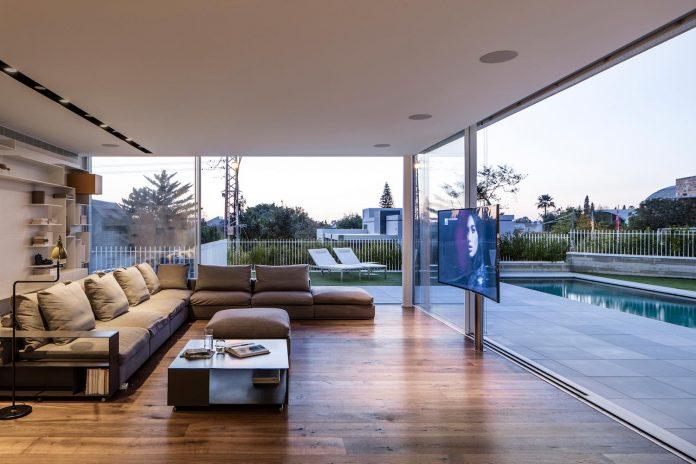 dual-house-modern-duplex-house-located-small-neighborhood-north-tel-aviv-07