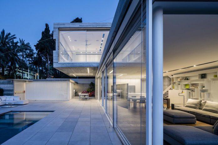 dual-house-modern-duplex-house-located-small-neighborhood-north-tel-aviv-09