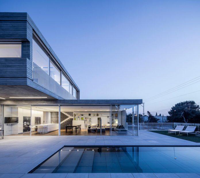 dual-house-modern-duplex-house-located-small-neighborhood-north-tel-aviv-10