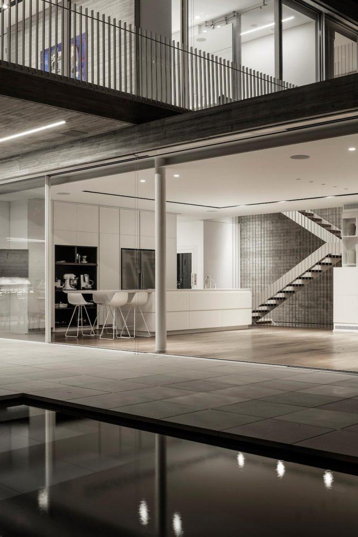 dual-house-modern-duplex-house-located-small-neighborhood-north-tel-aviv-15
